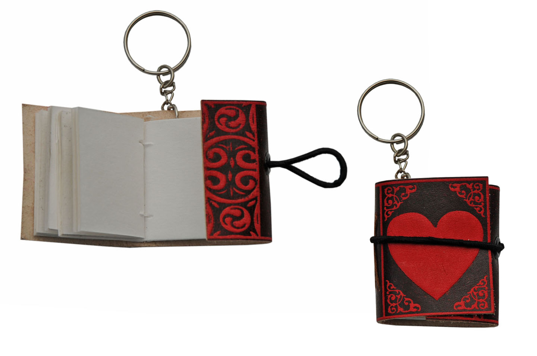 1.5″ x 2″ RED HEART KEYCHAIN JOURNAL